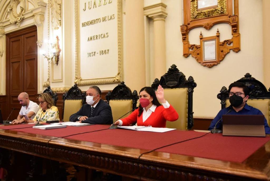Ayuntamiento de Puebla garantiza legalidad en otorgamiento de plazas